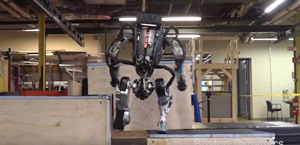 Boston Dynamics:  le robot Atlas fait du « parkour »