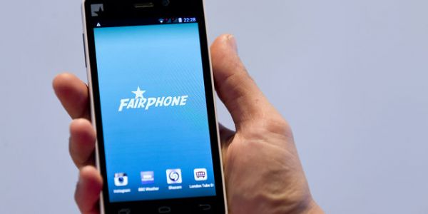 Fairphone, l'OVNI des smartphones, à l'assaut du grand public