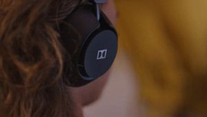 Dolby lance son premier casque audio, le Dimension