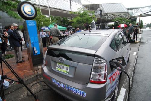 Germany Will Require All Gas Stations To Also Offer Electric Vehicle Charging Capabilities