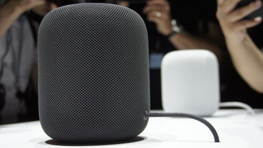 Apple réduit le volume de production du HomePod qui se vend mal